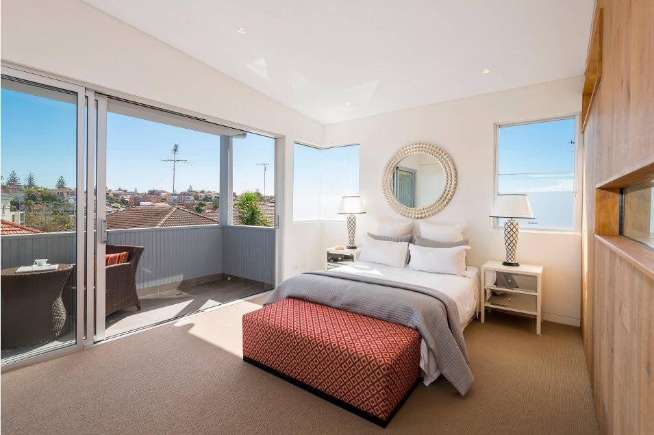 2018-03-24_20-29-59 Cách trang trí phòng ngủ tuyệt đẹp mà bạn cần biết