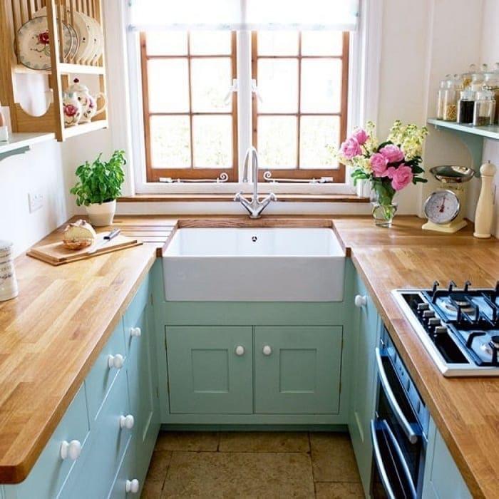 Stunning-Galley-kitchen-design-photo-gallery-1 Thiết kế phòng bếp nhỏ đẹp