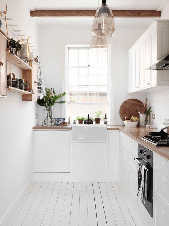 classicsmallwhitekitchen Thiết kế phòng bếp nhỏ đẹp
