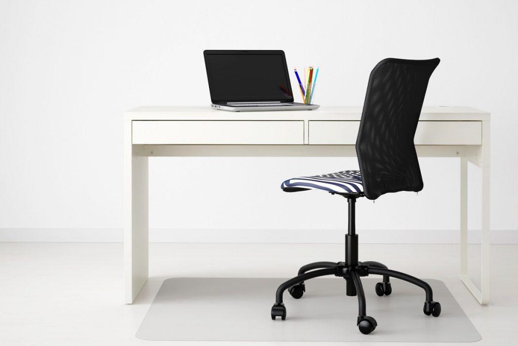 simple-sled-leg-desk-1024x684 [Tư vấn] Lựa chọn các mẫu bàn làm việc tại nhà