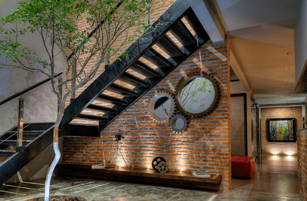 2-1024x670 Mẫu cầu thang sắt hiện đại và những lưu ý khi thiết kế nội thất
