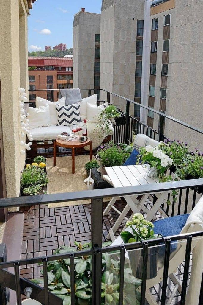 29-balcony-thelateststyle-683x1024 [Kiến thức] Thiết kế ban công chung cư đẹp