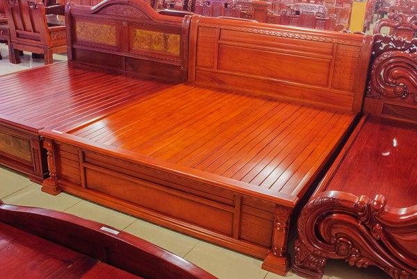 Giường-ngủ-gỗ-gụ-GTN02 [Kiến thức] Gỗ gụ là gì? Ứng dụng của gỗ gụ trong nội thất