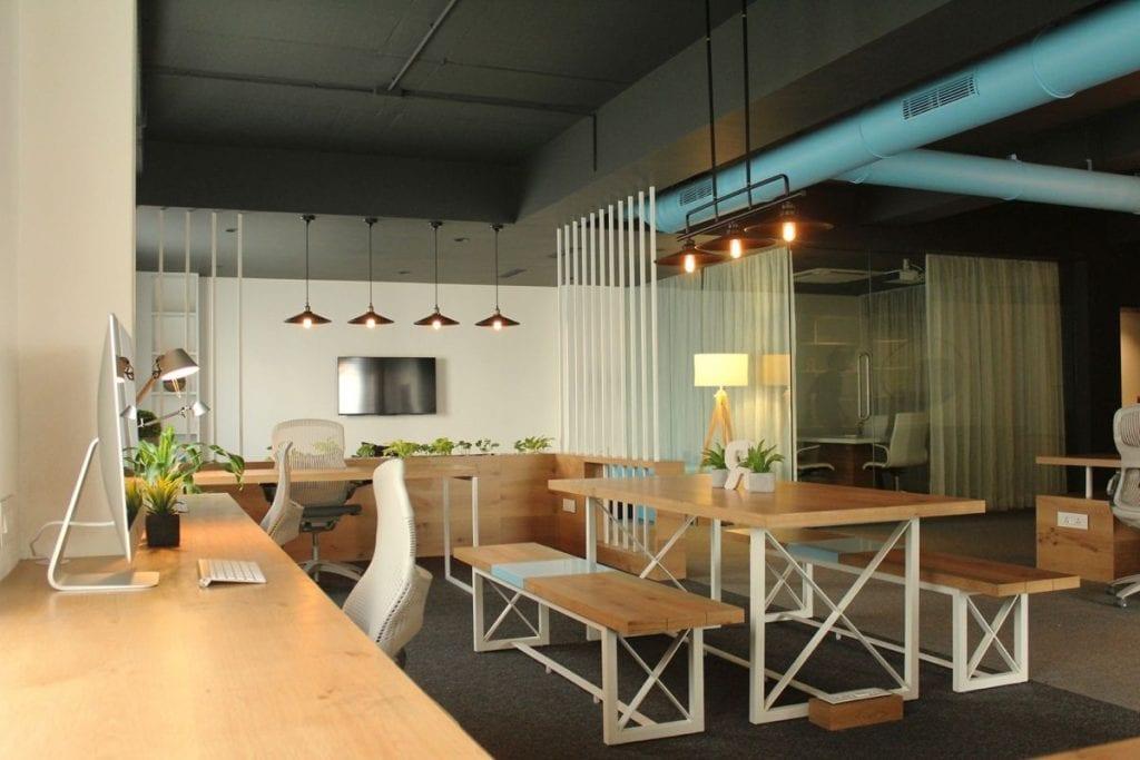 b31d092ed30d28e3cab9e0ba07bb1e0b-1024x683 [Kiến thức] Thiết kế nội thất văn phòng chuẩn đẹp
