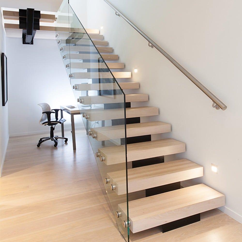 cau-thang-go-kinh Mẫu cầu thang gỗ đẹp phổ biến hiện nay