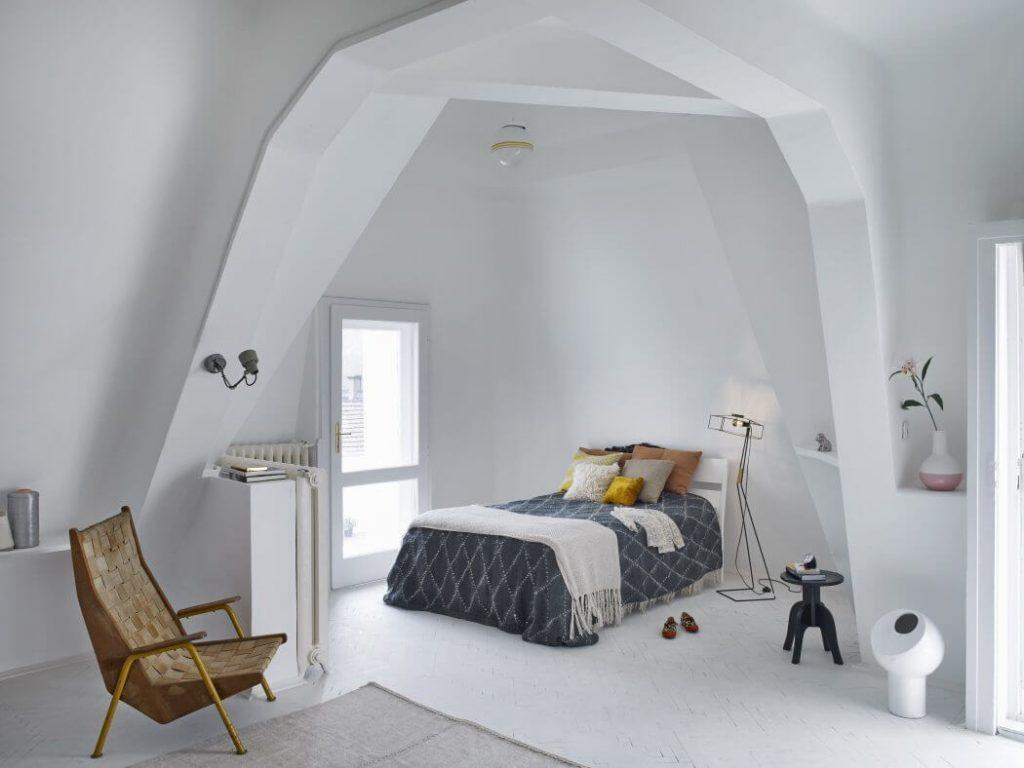 mau-cau-thang-sat-nghe-thuat-dep-co-dien-h1-1-1024x768 Chọn đồ trang trí phòng ngủ thế nào cho phù hợp?
