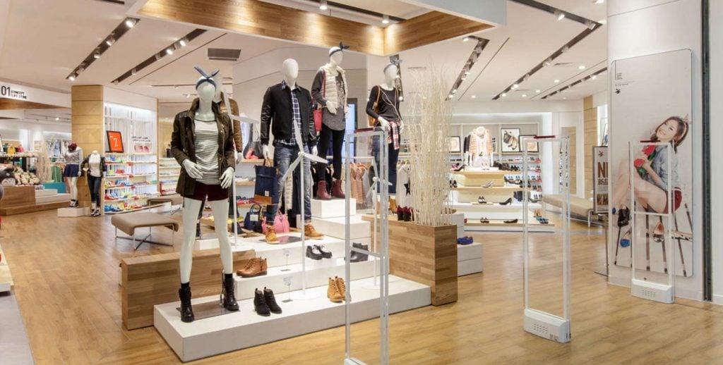 noi-that-shop-thoi-trang-nu-6-1024x518 [Kiến thức] Thiết kế nội thất cửa hàng đẹp