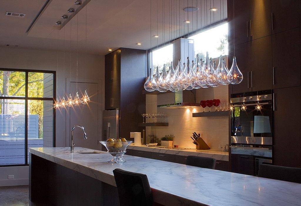teardrop-glass-mini-pendant-lights-1024x700 Đèn thả bàn ăn - Đặc điểm và ứng dụng trong trang trí nội thất