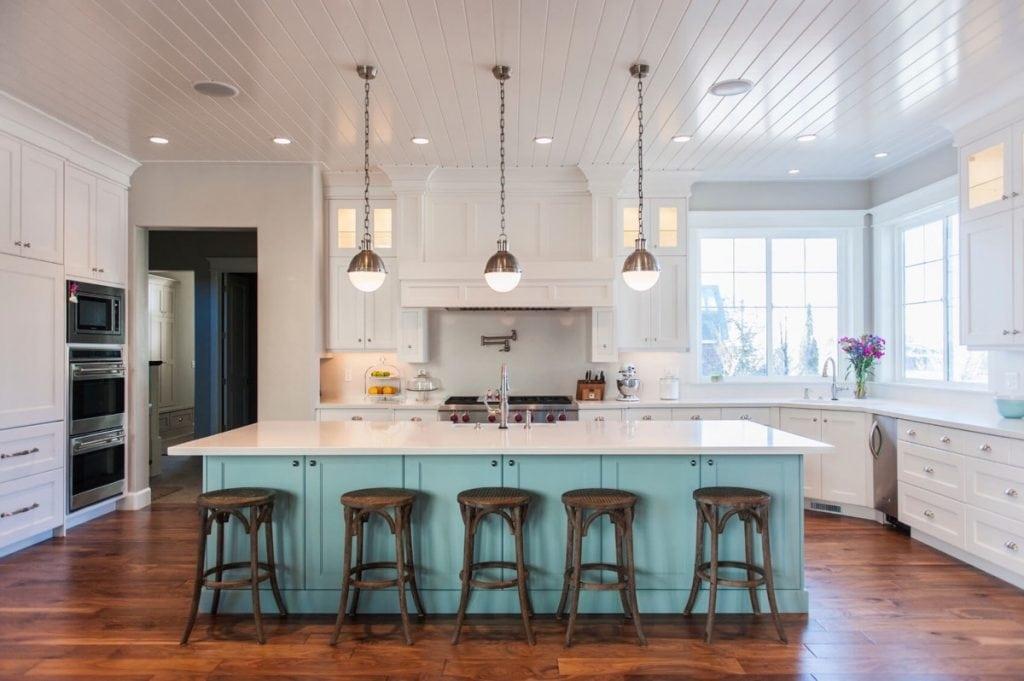 vintage-inspired-kitchen-lighting-1024x681 Đèn thả bàn ăn - Đặc điểm và ứng dụng trong trang trí nội thất