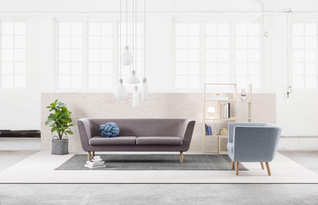 white-french-windows-minimalist-sitting-room-1024x660 Ghế sofa - Đồ nội thất phổ biến trong phòng khách gia đình