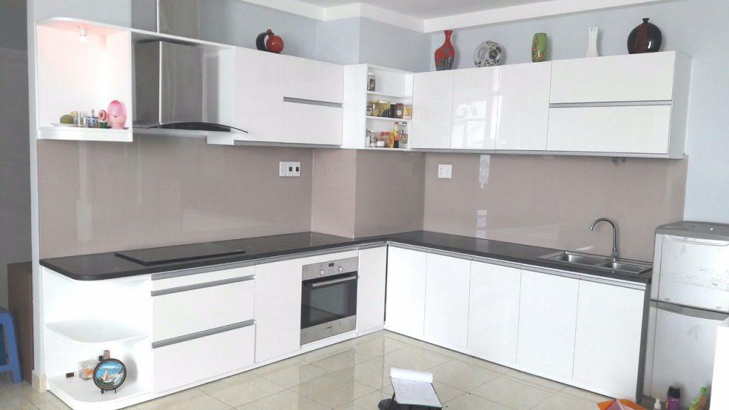 4e3d2f507c489316ca59-1567-1024x576 Kính bếp  - Cách trang trí cho nhà bếp trở nên lộng lẫy hơn