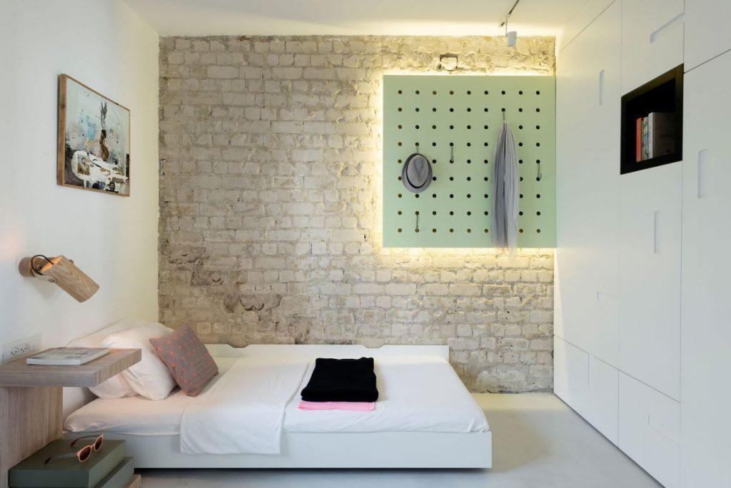 Sua-nha-lam-moi-bang-nhieu-mau-son-va-noi-that-moi-cho-2-phong-ngu-1024x684 Phòng ngủ nhỏ nên sơn màu gì để đẹp và hợp phong thủy?