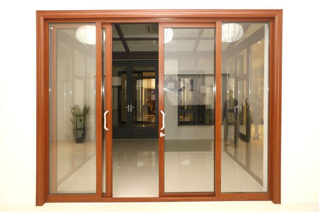 cua-nhom-kinh-1024x682 Những lưu ý khi thiết kế cửa và một số loại cửa thông dụng hiện nay