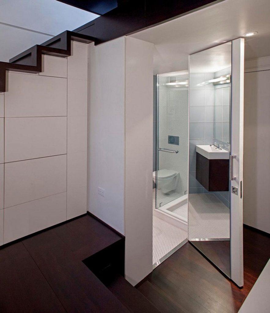 nha-ve-sinh-duoi-gam-cau-thang-4--883x1024 Thiết kế nhà vệ sinh dưới gầm cầu thang, nên hay không?