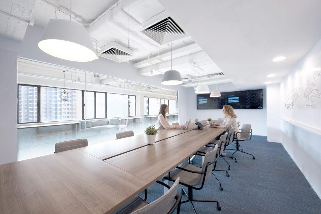 phong-hop-hien-dai-1024x684 Thiết kế nội thất phòng họp tổng quan nhất