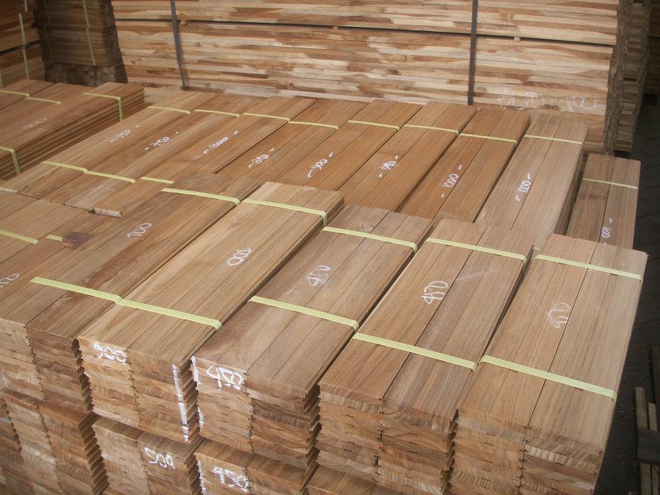 Burma-Teak-Wood-Decking-for-Boat Gỗ tếch - nguyên liệu chất lượng tốt, giá phải chăng